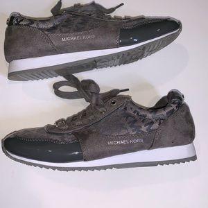 Michael Kors signature sneakers 👟